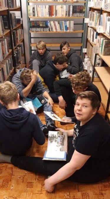 I v knihovně se dá učit